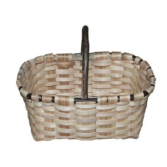Natural chestnut Labrador basket No. 1