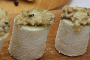 Rollitos de hongos y queso Cabrales